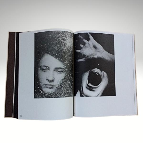 katalog wystawy Fotografia na rozdrożach, rozkładówka